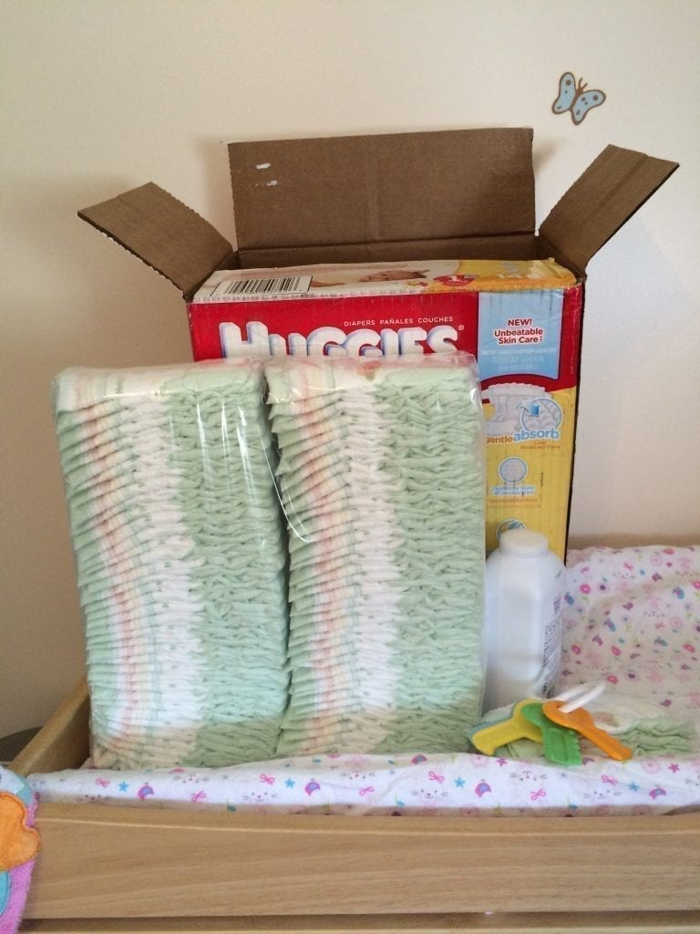Huggies Little Snugglers. Maybe next time I won't pile the diapers in front of the box that's supposed to be visible, eh?